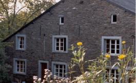 Groepshuis-Bièvre-voorkant3